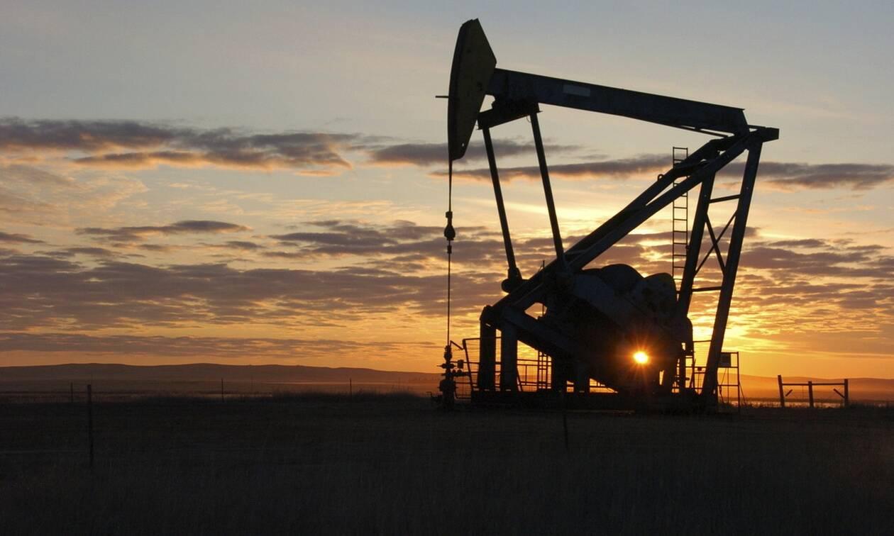 Προσπάθειες να κρατηθεί κάτω από τα 85 δολάρια το πετρέλαιο Brent